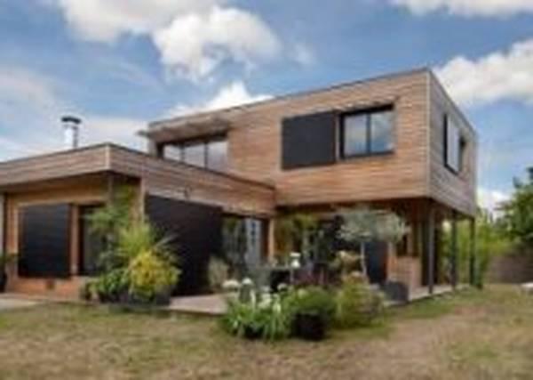 carport bois devant maison