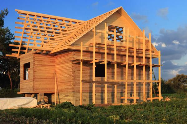 devant de maison en bois
